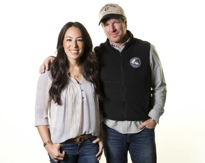 Joanna Gaines, left, and Chip Gaines